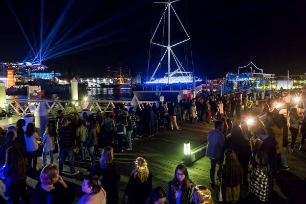 cruises-parties-1001